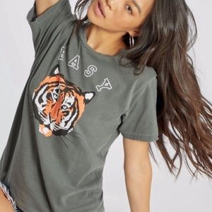WILDFOX Easy Tiger Gray Graphic Tee NWT